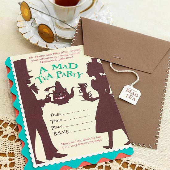 Alice in Wonderland Party Invitations  Remind guests that they cant be late for