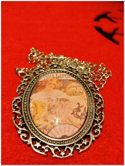 Alfons Mucha's pendant