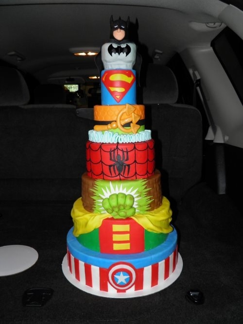 Amazing Super Hero's Wedding Cake! But it's missing IRON MAN Keywords: #weddings #jevelweddingplanning Follow Us: www.jevelweddingplanning.com  www.facebook.com/jevelweddingplanning/