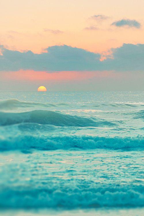 Preciosa puesta de sol. #surf
