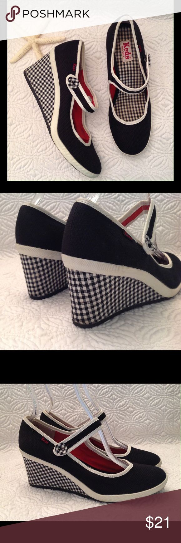 "KEDS Wedge Mary Janes Black & White Checkered Gently loved. KEDS  Mary Jane 3"" Wedge Shoes  Black & White Checkered  Style: Midnight - WF29810  Size 8.5M Cushioned insole Interior measurement from toe to heel is 10"" Exterior measurement for the ball of the foot is 3.25"" Keds Shoes Platforms"