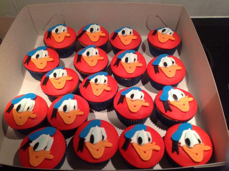 Duck Cupcake Cake