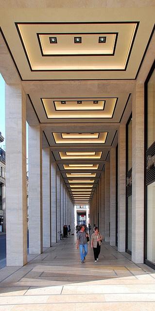 Berlin Friedrichstrasse/Unter den Linden; Upper Eastside by Wolfsraum, via Flickr