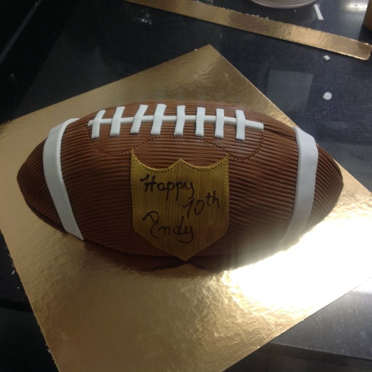 Your kid wants a football cake? We can make everything you like ;-) #yannpins