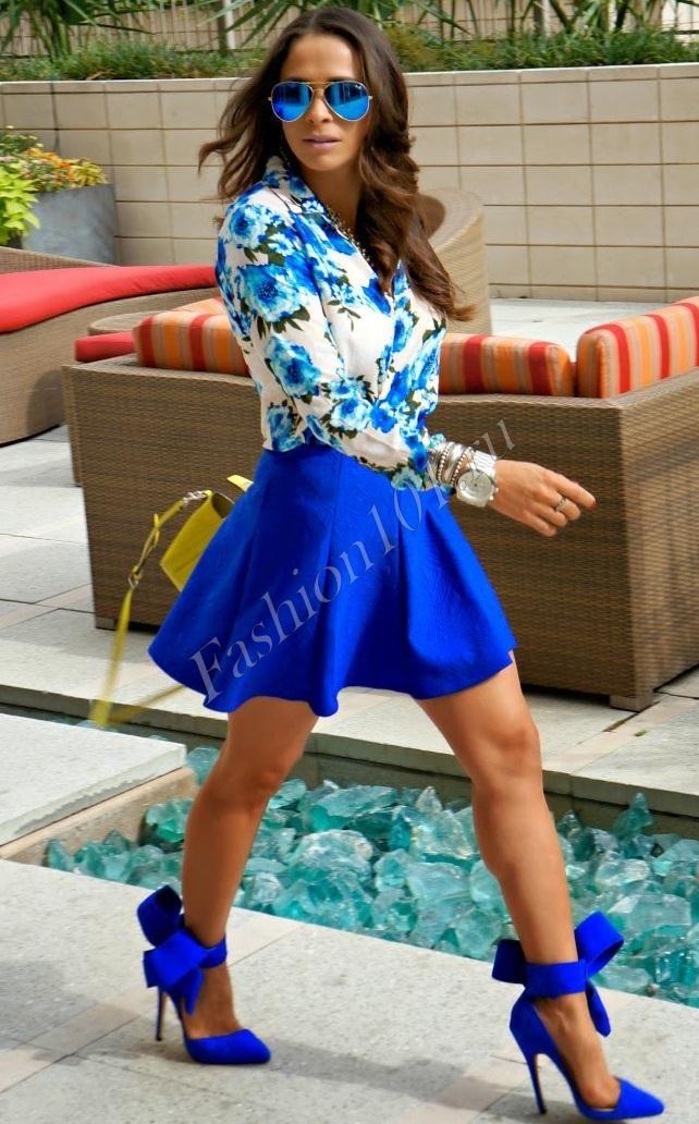 Синяя пышная юбка с туфлями на шпильке