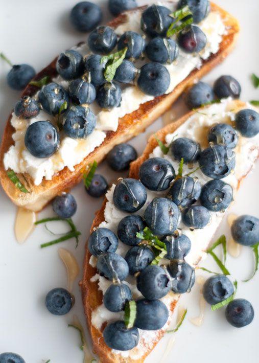 10 Delicious Toast Recipes That Don't Involve Avocado | Ricotta, Blueberry, Honey, and Mint Toast