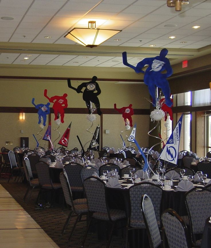 Hockey Centerpieces in the Team Colors
