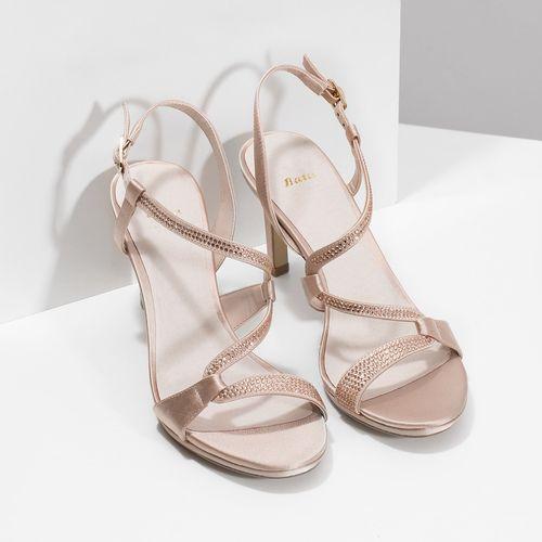 b4e730e11a Dámske sandále s kamienkami - Na podpätku