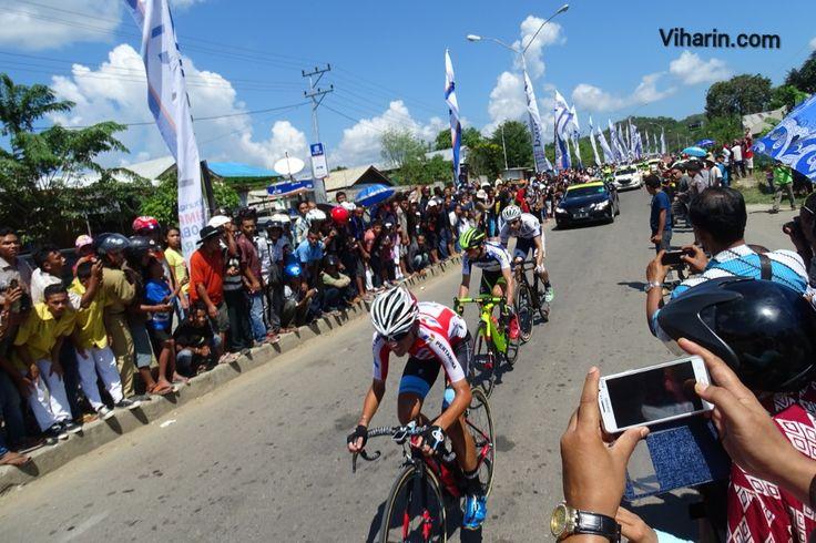 Cycling competition, Tour De Flores, Indonesia http://www.viharin.com/international-destination/indonesia/cycling-competition-tour-de-flores-indonesia