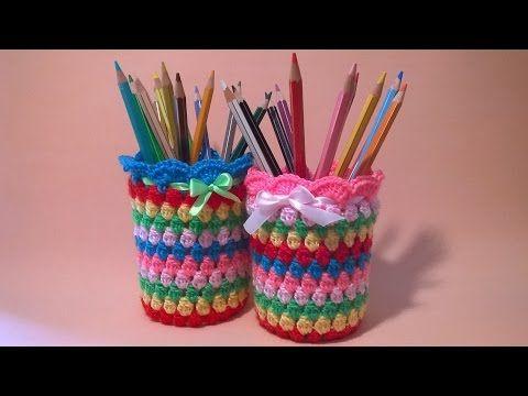 Vasetto Portapenne all'Uncinetto Tutorial - Crochet Pen Holder -Porta Lapis Croche #portapenne #uncinetto #tutorial #vasetto #penholder #crochet  #pen holder #pattern #pencil #holder #porta lapis #portalapis #crochet #jar #cover #idee #croche #patron