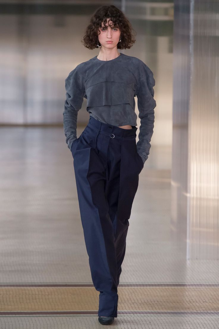 Lemaire Fall 2017 Ready-to-Wear Collection Photos - Vogue
