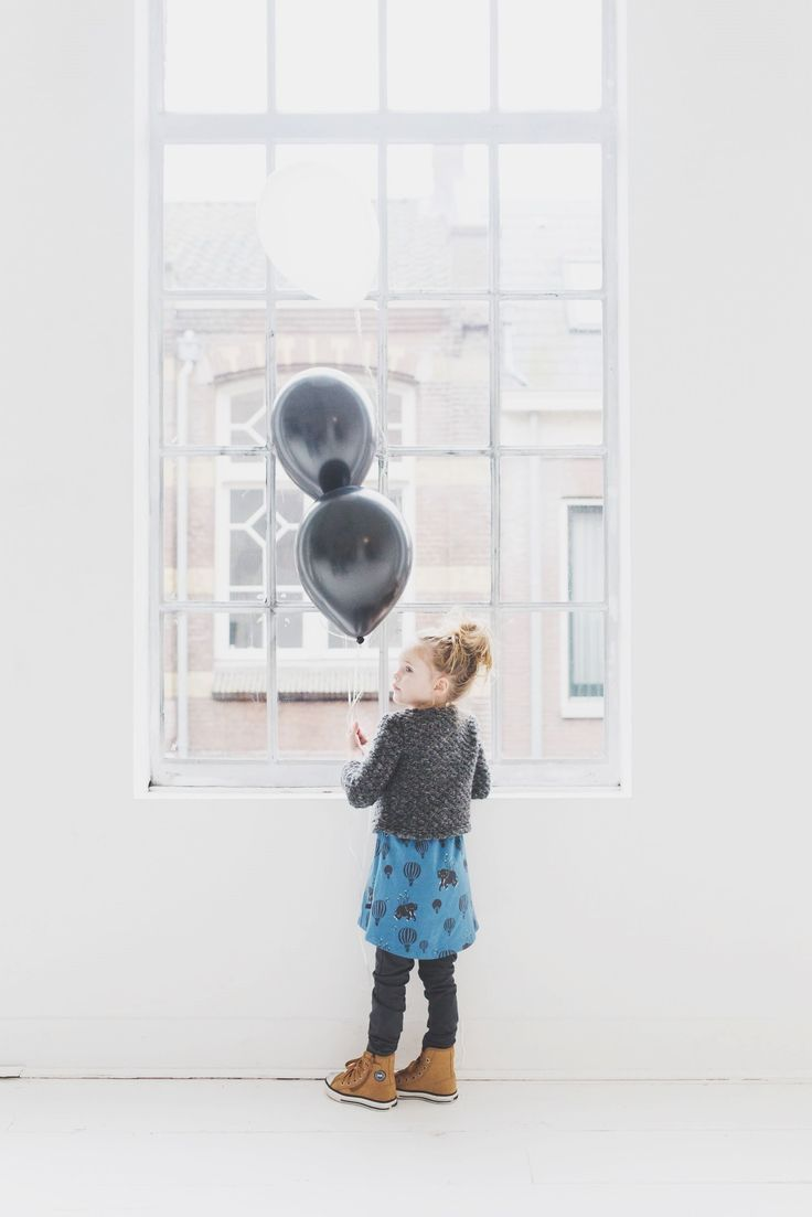 Isn't it a perfect match; our petrol air balloon print Elise dress paired with our chunky knit Ferdi cardigan.. #girlsoutfits #noeserkidsclothing #petrol #airballoon