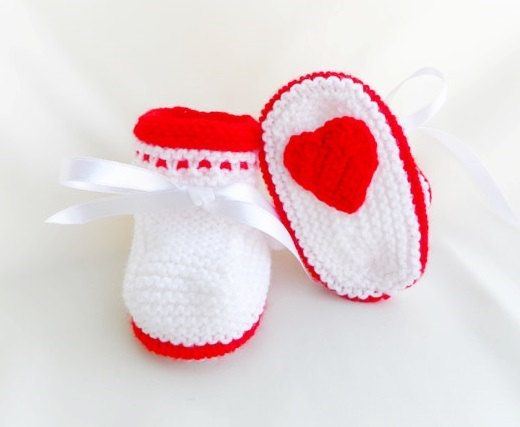 Knitted baby booties knitted baby shoes in by Svetlanababyknitting, #baby