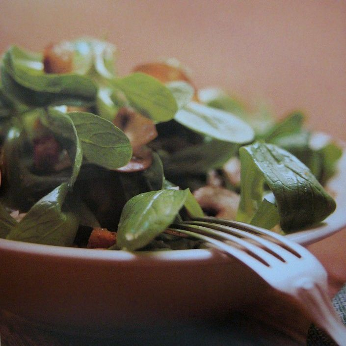 Rezept: Köstlicher Nüsslisalat