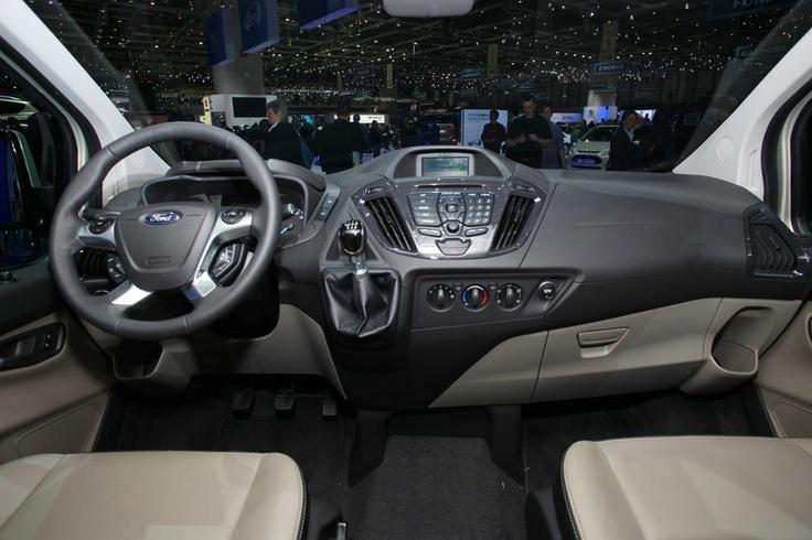 Wnętrze Forda Tourneo Courier 2013 (źródło: Pinterest)