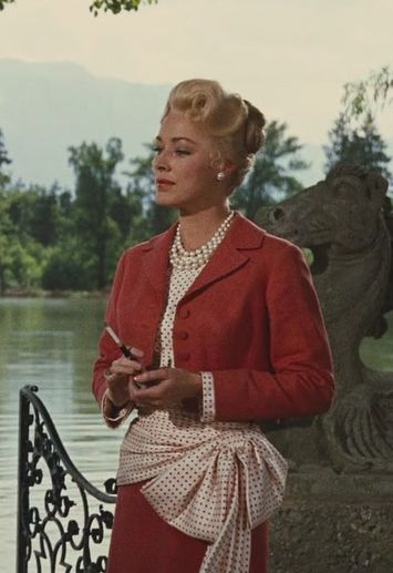 Elsa Schrader (Eleanor Parker) 1940s dress suit from The Sound of Music