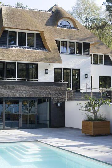 Kolossale rietgedekte villa op de Veluwe