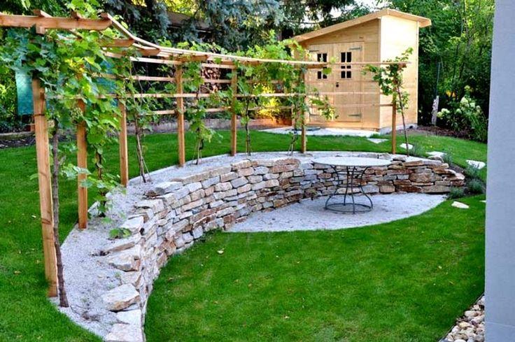 treille avec vigne dans votre jardin faire une pergola ou une treille avec vignes pinterest. Black Bedroom Furniture Sets. Home Design Ideas
