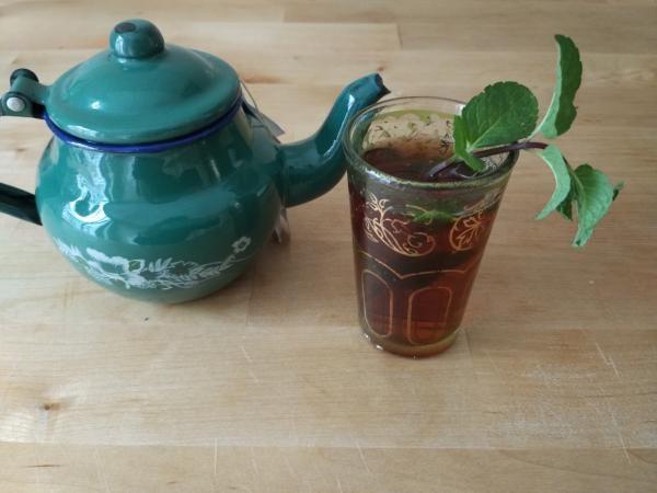 Aprende a preparar té moruno con esta rica y fácil receta. En los países orientales el té moruno es una famosa bebida tradicional que se toma normalmente por la tard...