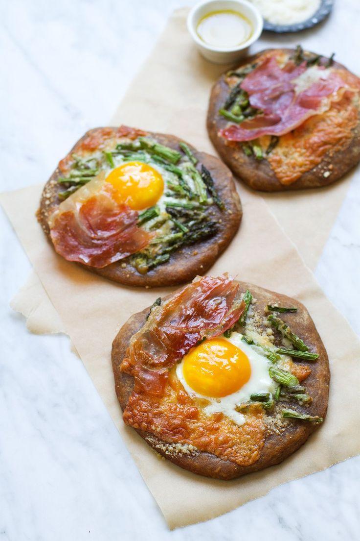 Serrano Ham, Manchego, and Asparagus Pizza | http://saltandwind.com