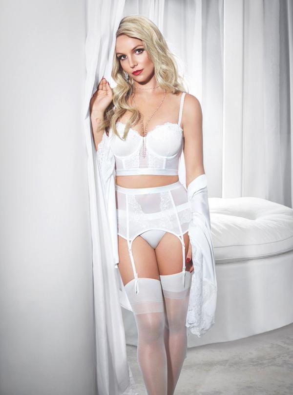 Britney Spears Flaunts Figure in 'Intimate' Lingerie ...