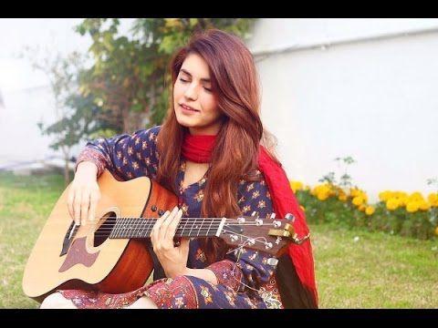 Momina Mustehsan Singing in swimming pool - YouTube