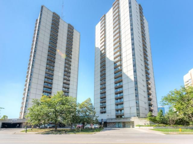 Large 1-Bedroom Downtown Condo with 2 Full Bathrooms on the 20th Floor! -   $164,900 - http://www.LondonOntarioRealEstate.com/listing/cms/363-colborne-st-2003-london-ontario/ -   #RealEstate #ForSale in #London #Ontario by #Realtor