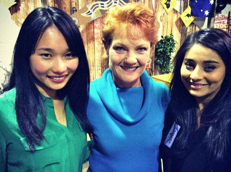 Australia's history challenge participants Lydia and Tamara pose with Pauline Hanson..