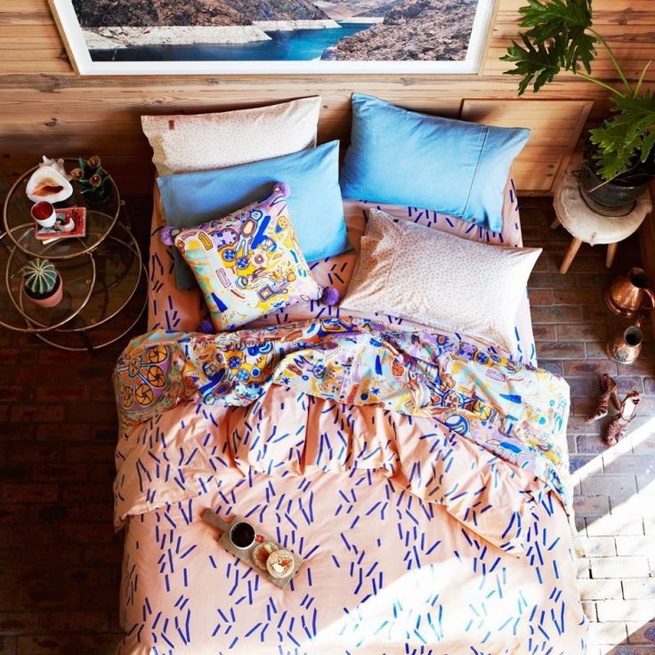 I absolutely love this bedding. Such a cute design and color combo!