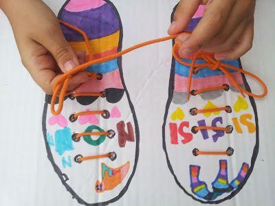 Incartesimi: Riciclo creativo: imparare ad allacciarsi le scarpe