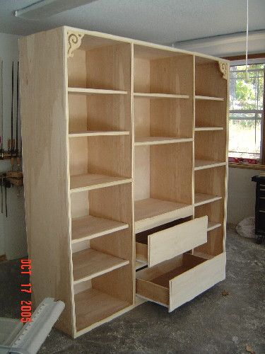 Custom Woodworking Projects Check out my woodworking site at www.WoodworkerPlans.org for more woodworking information.