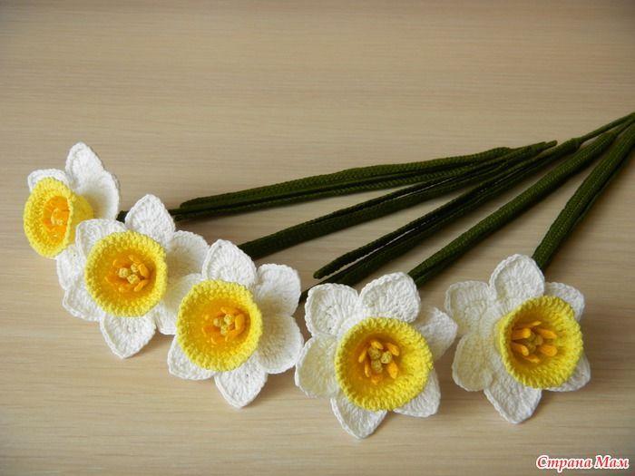 Crochet Flowers Tutorial By Carmen Heffernan : 104 best images about Crochet Flowers on Pinterest ...