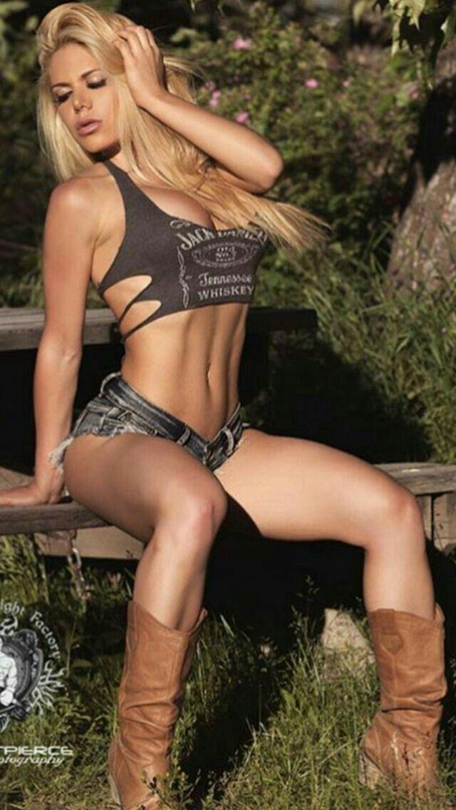 2017  Beautiful Country Girl   I    64  18 -3458