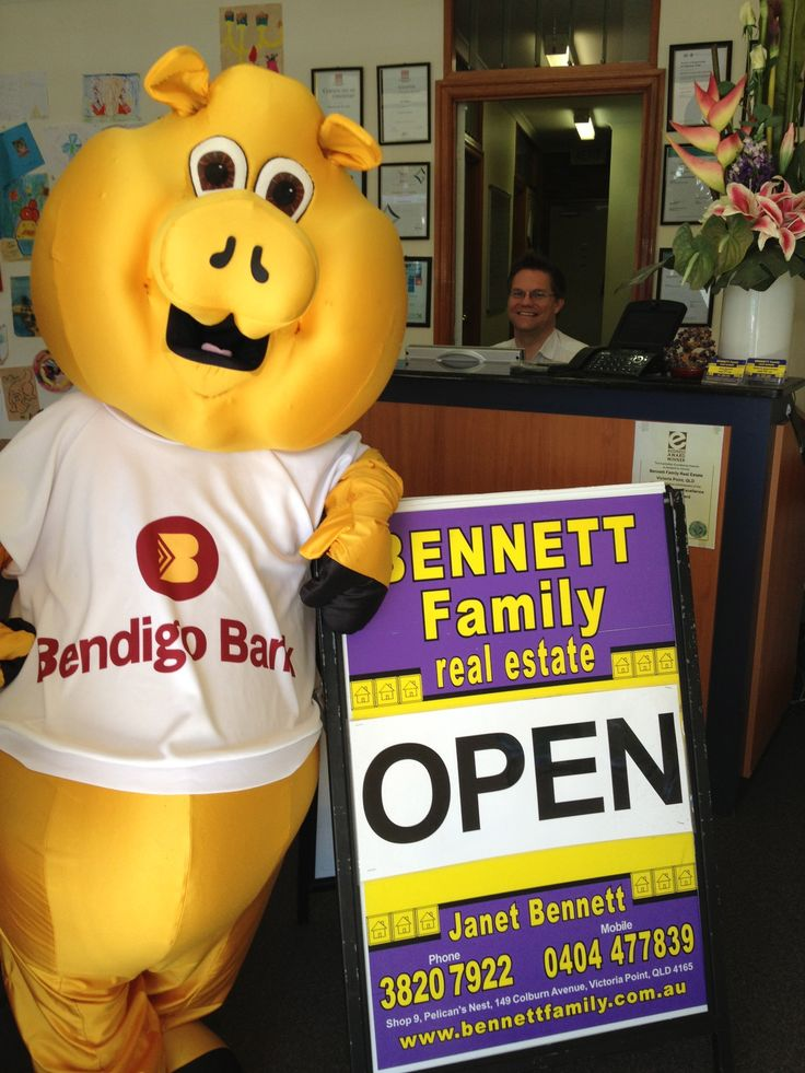 If U are thinking of buying or selling your house in the Redlands, why not pop in and see Janet Bennett and the wonderful team of friendly staff at Bennett Family Real Estate?