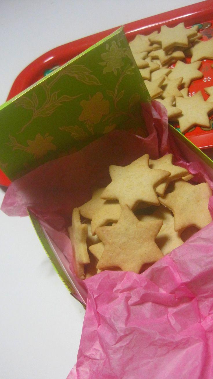 Dolce Regalo: biscotti di casa e scatoline fai da te :) riciclo creativo