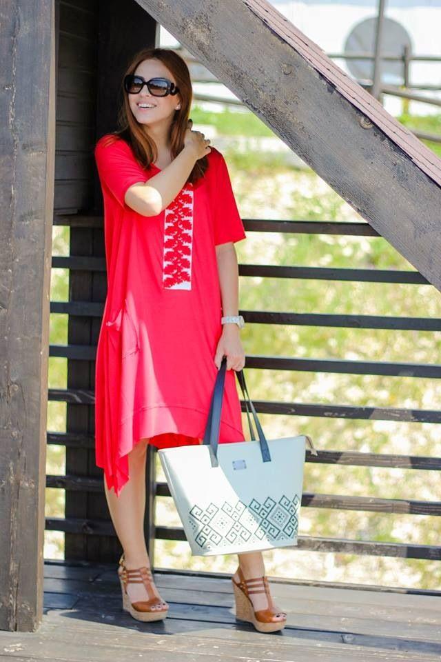 Roşu #fashion #outfit #romanesc #adrianoianu #iutta #red