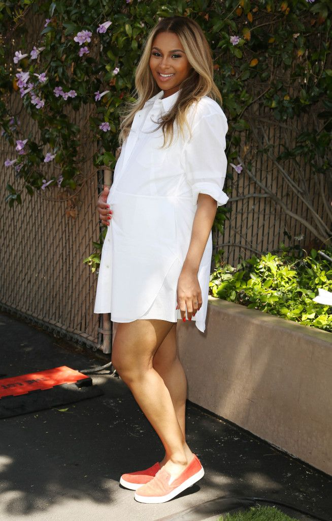 Pair a shirt-dress with comfy canvas flats for a casual-cute maternity look! {We love Ciara's Maternity Style} #maternity #style