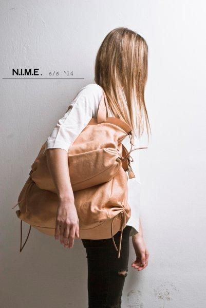 meryl oversize shoulder and mya small size duffle veg tanned leather  natural tan