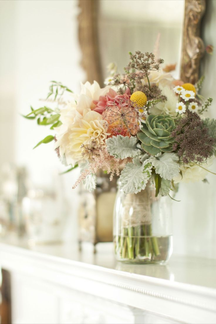 Centerpiece and Bride's Bouquet inspiration