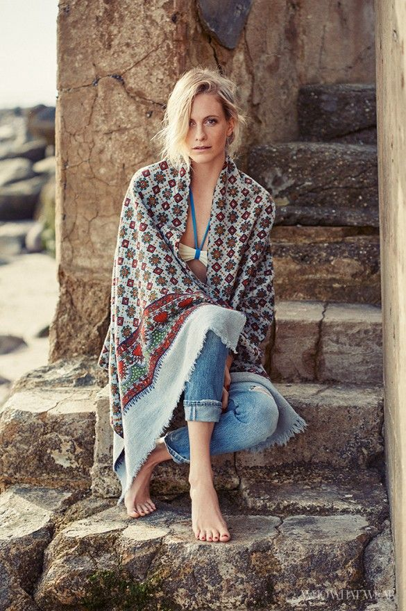 Poppy Delevingne channels her Cali boho girl in this exclusive shoot  // Photo: Kat Borchart