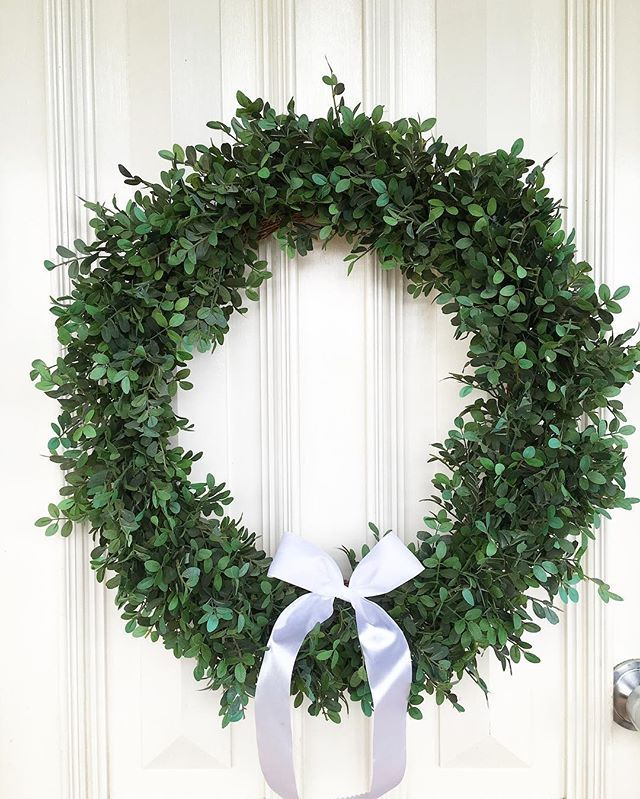Christmas wreath. Entrance.
