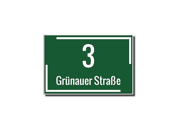Hausnummer aus Dibond mit max. 5 Zeichen . Hausnummer aus Dibond mit Folienbeschriftung  - 1- bis 5-stellige Ziffer möglich - Straßenname oder Familienname - Größe