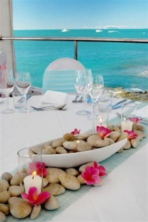 Island style tablescape...