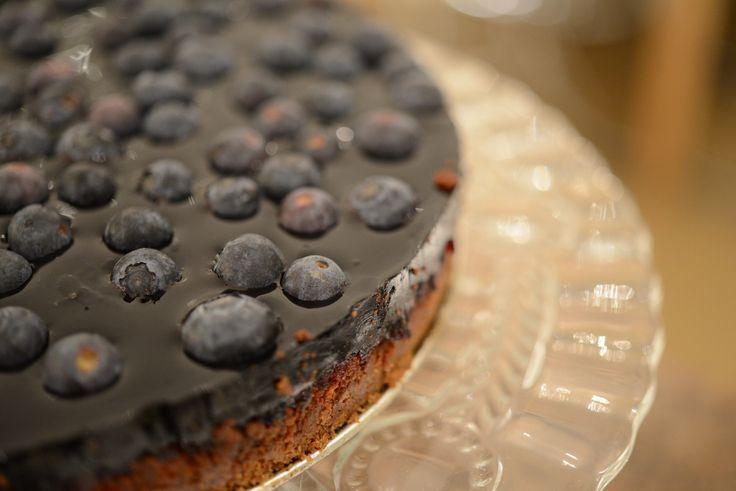 Ostekake med lakrids og blåbær | lars spiser – oppskrifter & matglede