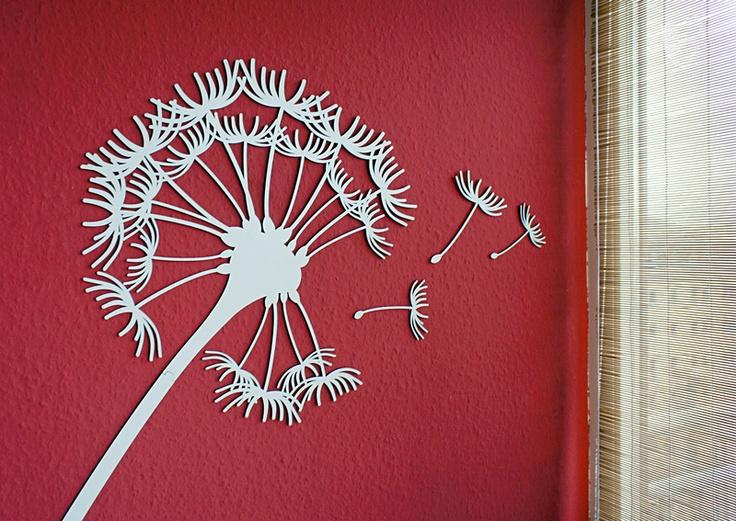 Hol dir mit unserer Pusteblume ein Stück Natur ins Zimmer.    Dieses dekorative Accessoire ist ein echter Blickfang und eine edle Alternative zum Wand
