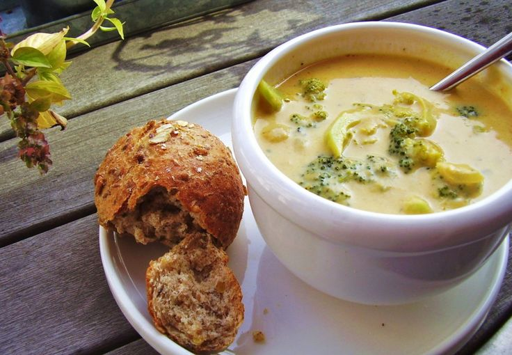 Recipe For Broccoli Crawfish Cheese Soup - In a large pot over high heat, combine the chicken broth and the broccoli. Cook about 3 to 5 minutes, or until tender. Set aside. In a large skillet, saut E the onions in the butter or margarine for about 5 minutes or until lightly browned. Add the garlic, crawfish or …