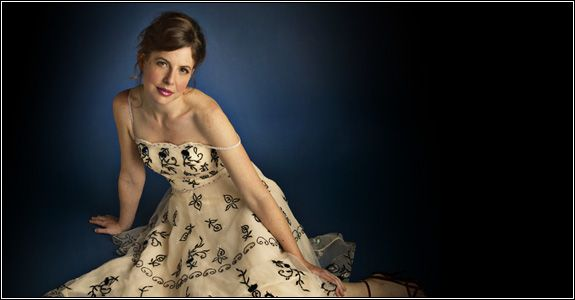 Robin Weigert. Such a contrast to her portrayal of Calamity Jane.