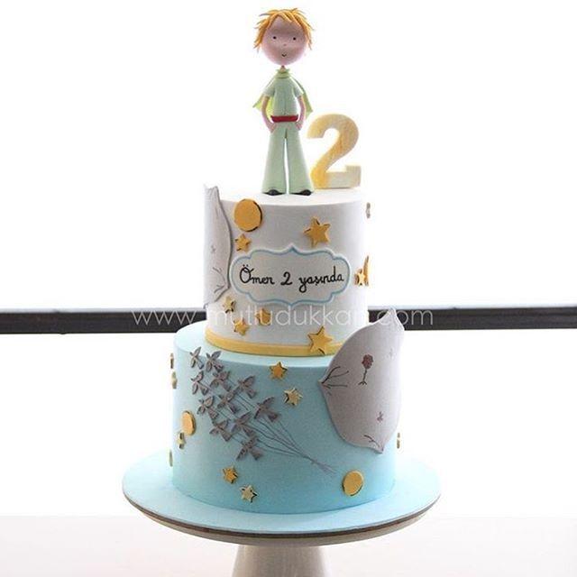 """""""A pedidos, mais um bolo Pequeno Príncipe. Este de @mutludukkan. #ideiasdebolosefestas #ideiasdebolos #festapequenoprincipe #bolopequenoprincipe…"""""""