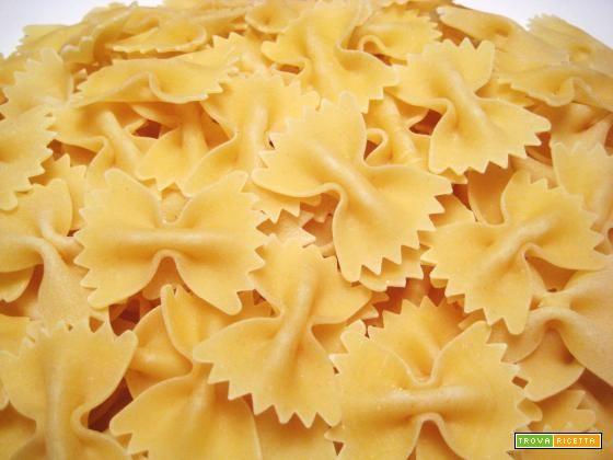 Primi piatti: Farfalle con fagiolini e mandorle  #ricette #food #recipes