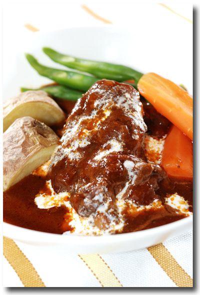 牛すね肉の柔らか煮込み/ビーフシチュー ........ お肉 ほろほろ ...